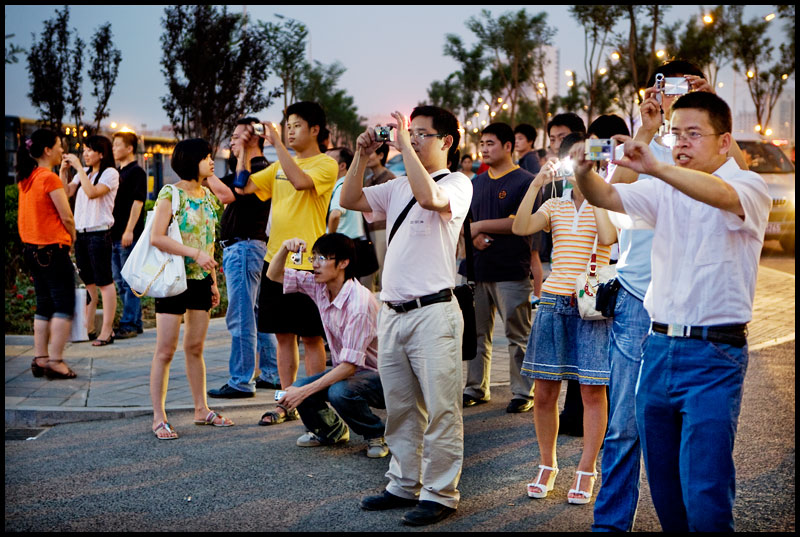 chinese-tourists-taking-pictures