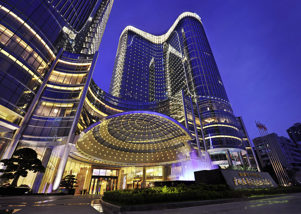 The luxury hotel market blossoms in china chinese for Luxury hotel accommodation