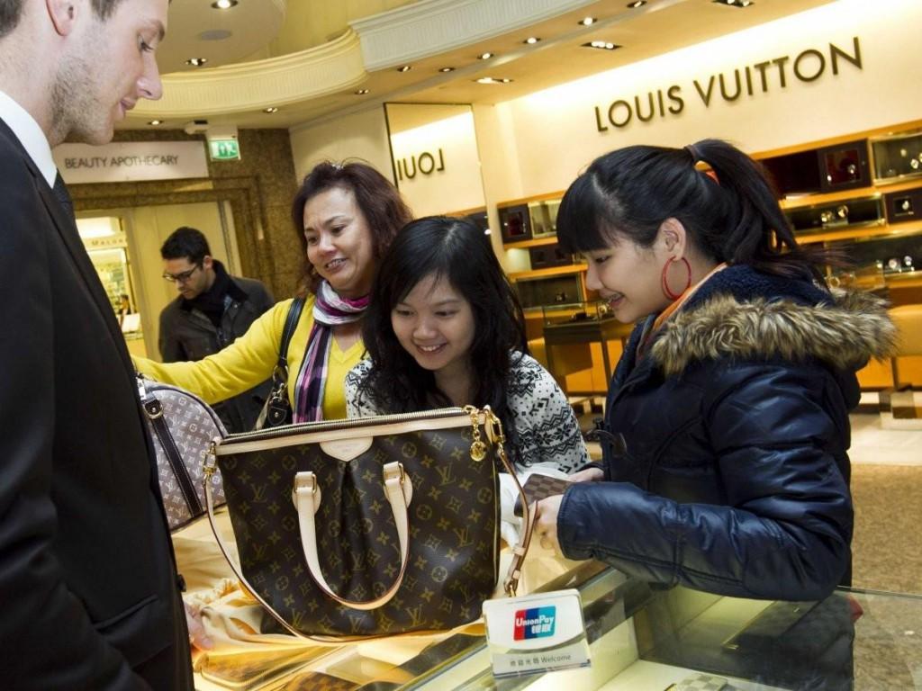 le_shopping_est_maintenant_la_principale_raison_peuple_chinois_voyage