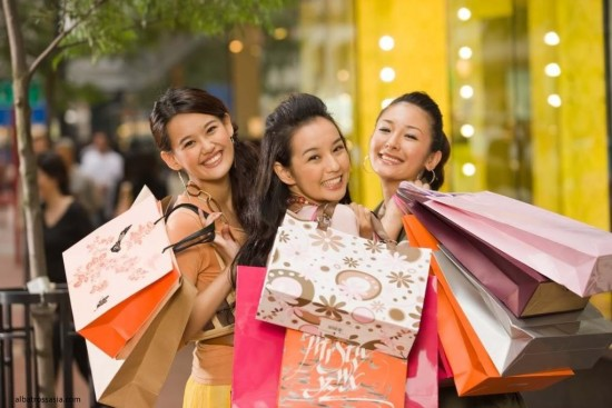CHINESE TOURISTS SPEND 6 TIMES MORE THAN JAPANESE