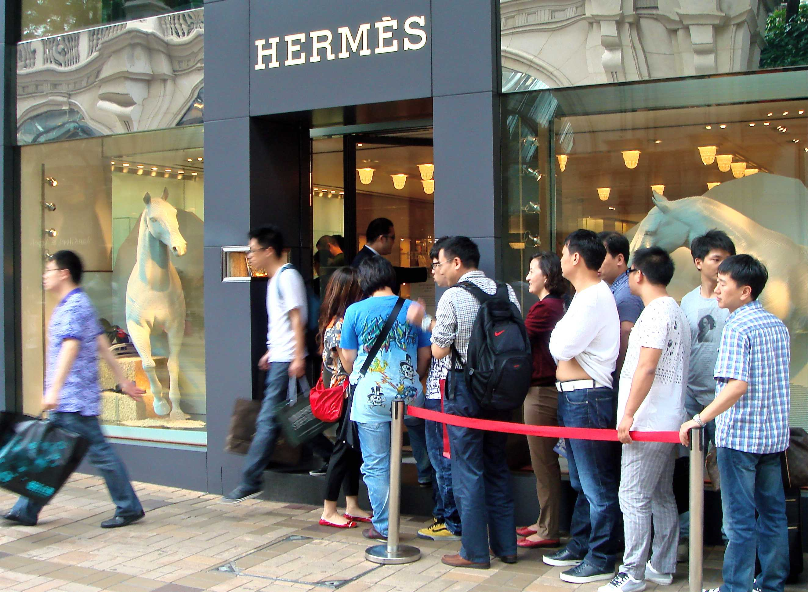 Travel Retail: the New Shopping for Chinese Tourists - Chinese ...