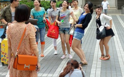 How to Catch Super-Rich Chinese Tourists?